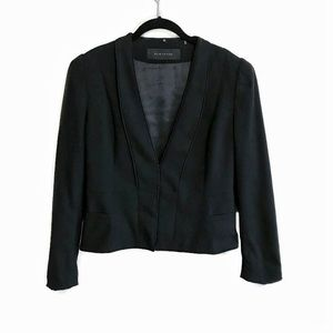 Elie Tahari black clasp front fitted wool blazer